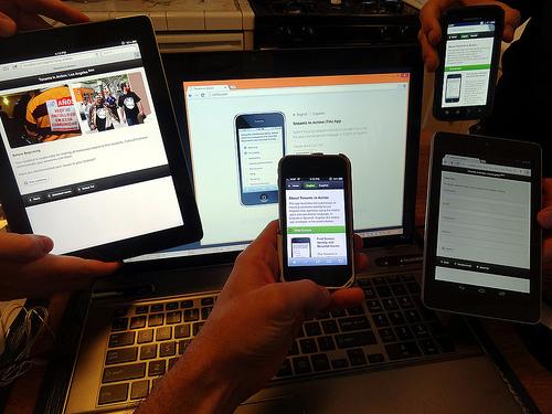 mobile desktop photo